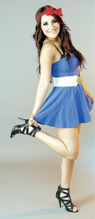 Dulce Maria gallery - Page 2 23466_377991113691_148370928691_3833666_5578874_n