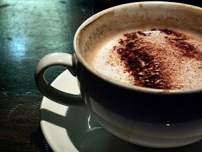 ذرات الملح على حوآف فنجآن قهوتي Coffee-cup1