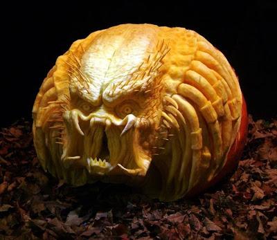 பூசணியில் செதுக்கப்பட்ட வியக்கத்தக்க உருவங்கள்  Pumpkin-carvings-15