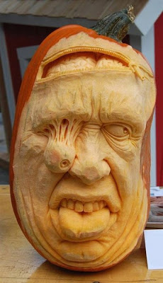 பூசணியில் செதுக்கப்பட்ட வியக்கத்தக்க உருவங்கள்  Pumpkin-carvings-03