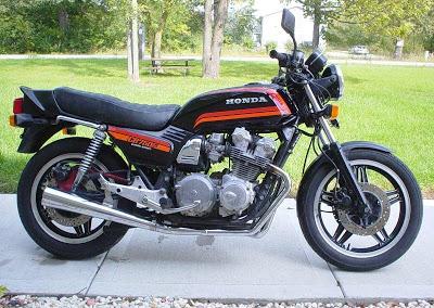 FT 500 (ça commence enfin). - Page 4 1980-Honda-CB750F-BlackRed-0