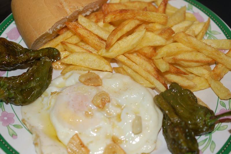 ¡¡¡ Buenos dias !!! - Página 2 Huevo_patatas_pimientos