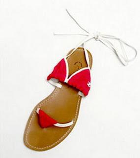 101 idee regalo per chi vi sta sul culo - Pagina 8 02-funny-shoes%5B1%5D