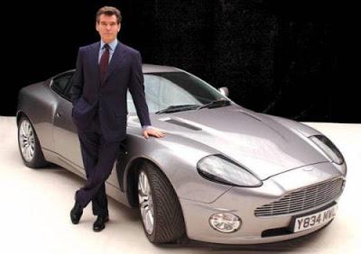 Autos de peliculas y series. (Un rincón para recordar ...) Bond01