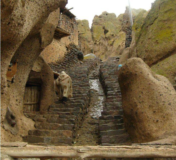بيوت منحوته في الجبال Village%20in%20Afghanistan%2011