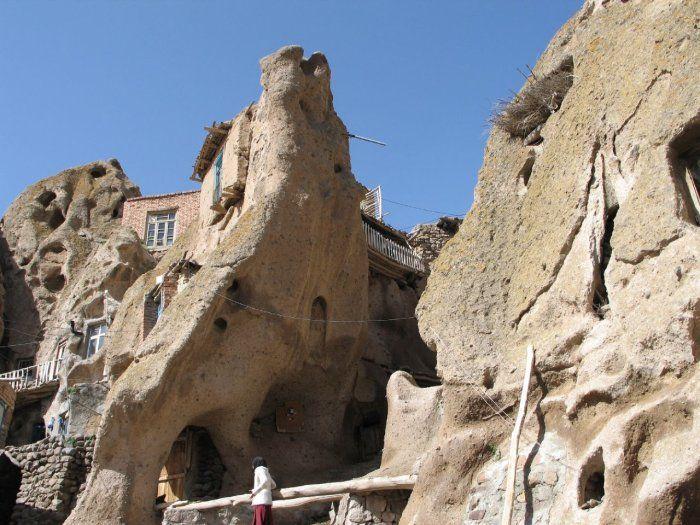 بيوت منحوته في الجبال Village%20in%20Afghanistan%2010