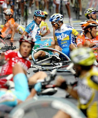 Smiješna strana sporta na slici Funny-unusual-cycling-sports-mishap