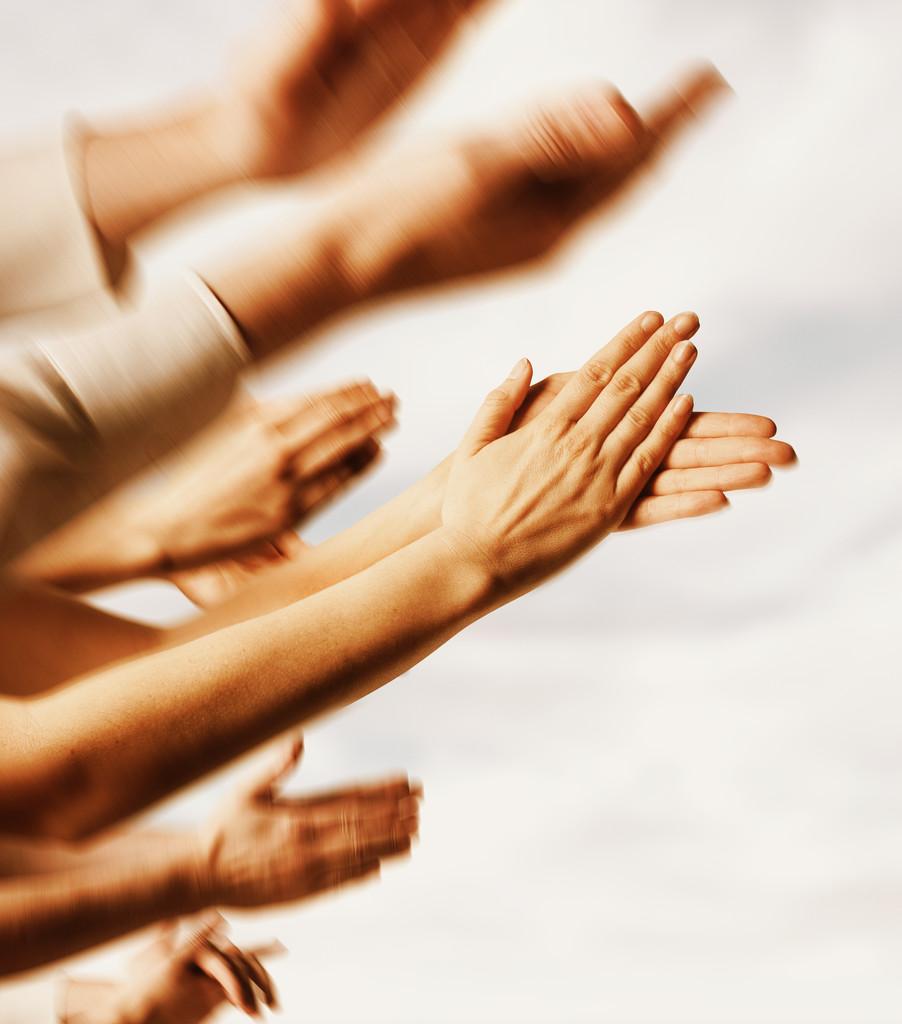 Vos problèmes techniques vécus et autres anecdotes de pannes - Page 4 Hands_clapping
