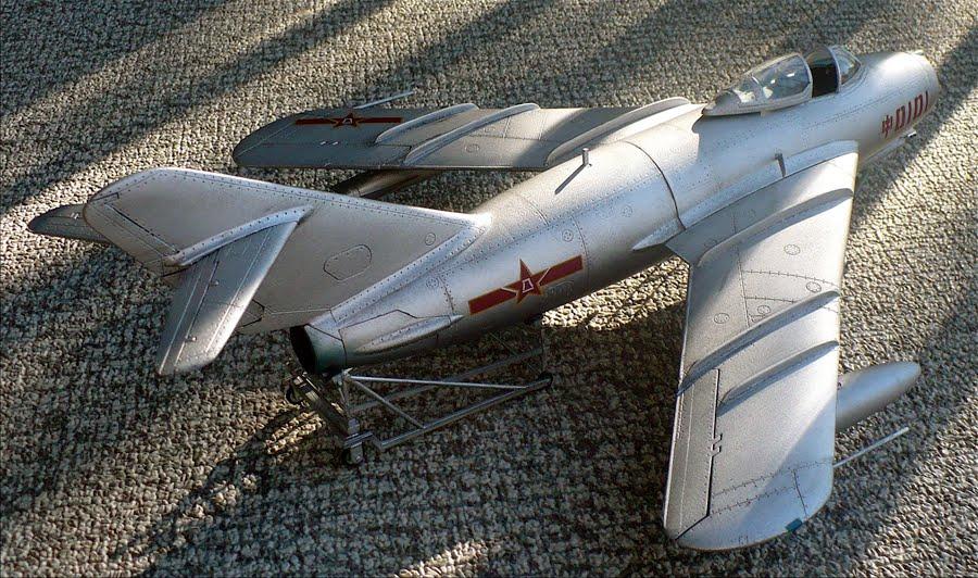 موسوعة اجيال الطائرات المقاتلة واشهر طائرات كل جيل - صفحة 3 P1050233