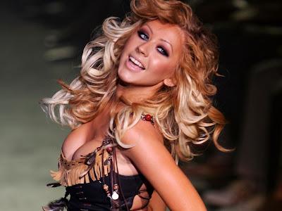 "[Fotos] Christina ""su nueva cabellera"" & Jordan paseando 2/7 Christina-Aguilera-32"