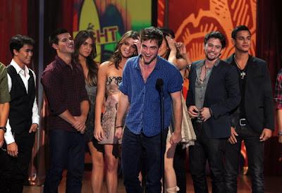 Teen Choice Awards 2010 - Página 3 Pattinsonlifetca9812