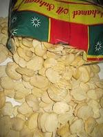 Plantes aromatiques, graines, noix, légumes, poissons, épices ... dans la Cuisine Marocaine IMG_1371