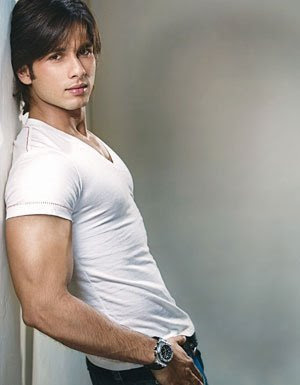 cual es el actor hindu mas lindo ? Shahid-kapoor1