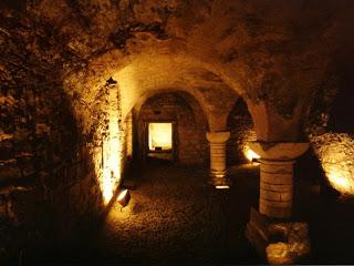 Китай. 血淋淋的龍 Gothic-cellar