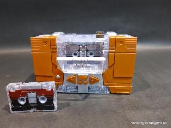 [Masterpiece Hasbro] YEAR OF THE GOAT SOUNDWAVE - Sortie Mars 2014 0Y4wGKec