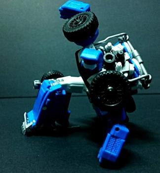 [X-Transbots] Produit Tiers - Minibots MP - Gamme MM - Page 3 3q7EOpKF
