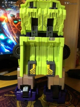 [Toyworld] Produit Tiers - Jouet TW-C Constructor aka Devastator/Dévastateur (Version vert G1 et jaune G2) - Page 6 5jp3YP9l