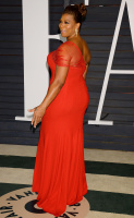 """Queen Latifah """"2015 Vanity Fair Oscar Party hosted by Graydon Carter at Wallis Annenberg Center for the Performing Arts in Beverly Hills"""" (22.02.2015) 23x 83vCE4rB"""