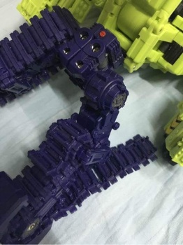[Toyworld] Produit Tiers - Jouet TW-C Constructor aka Devastator/Dévastateur (Version vert G1 et jaune G2) - Page 3 CHW6Rilw