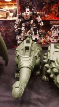 [FansProject] Produit Tiers - Jouet Saurus Ryu-oh aka Dinoking (Victory) | Monstructor (USA) EXvxKOf9