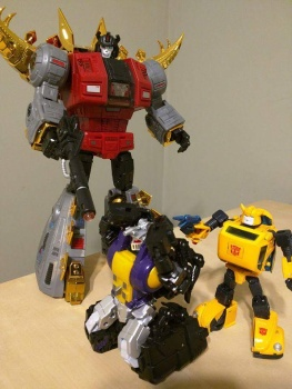 [Fanstoys] Produit Tiers - Jouet FT-12 Grenadier / FT-13 Mercenary / FT-14 Forager - aka Insecticons - Page 2 HAaJDBM5
