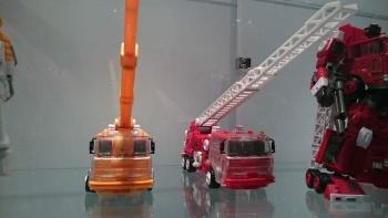 [Maketoys] Produit Tiers - MTRM-03 Hellfire (aka Inferno) et MTRM-05 Wrestle (aka Grapple/Grappin) JZ33iDnG