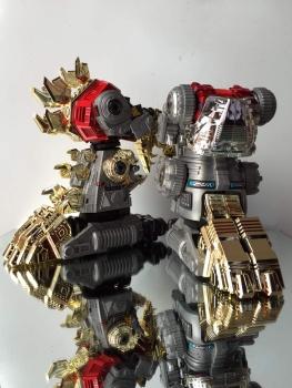 [GCreation] Produit Tiers - Jouet ShuraKing - aka Combiner Dinobots - Page 3 LfiHI2Nx