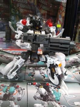 [MakeToys] Produit Tiers - Jouet MTCM-04 Guardia (aka Protectobots - Defensor/Defenso) - Page 2 M9HpBR9z