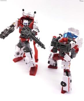 [MakeToys] Produit Tiers - Jouet MTCM-04 Guardia (aka Protectobots - Defensor/Defenso) - Page 3 R7Z0tHEX