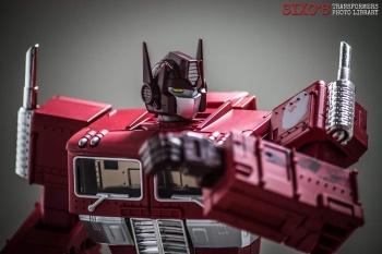 [Masterpiece] MP-10B   MP-10A   MP-10R   MP-10SG   MP-10K   MP-711   MP-10G   MP-10 ASL ― Convoy (Optimus Prime/Optimus Primus) - Page 4 TgOim8Bn