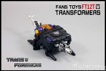 [Fanstoys] Produit Tiers - Jouet FT-12 Grenadier / FT-13 Mercenary / FT-14 Forager - aka Insecticons - Page 2 Xk8ASAg8