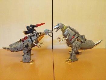 [Toyworld][Zeta Toys] Produit Tiers - Jouet TW-D aka Combiner Dinobots ZIxUofxF