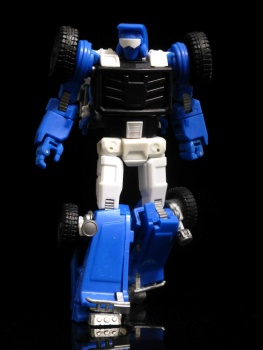 [X-Transbots] Produit Tiers - Minibots MP - Gamme MM - Page 3 ZrLOxeve