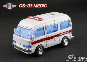 [TFC Toys] Produit Tiers - OS-01 Ironwill (aka Ironhide/Rhino) & OS-03 Medic (aka Ratchet/Mécano) C5XeDmdF