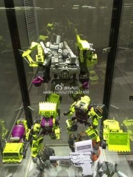 [Generation Toy] Produit Tiers - Jouet GT-01 Gravity Builder - aka Devastator/Dévastateur - Page 2 CRtlA5AS