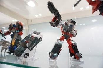 [MakeToys] Produit Tiers - Jouet MTCM-04 Guardia (aka Protectobots - Defensor/Defenso) - Page 2 FkqWwrOO