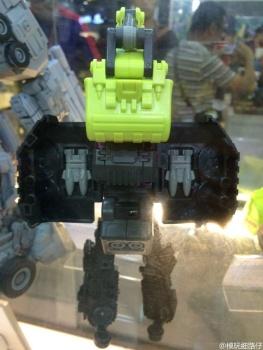 [Generation Toy] Produit Tiers - Jouet GT-01 Gravity Builder - aka Devastator/Dévastateur - Page 2 HlYmZeok