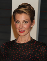 "Faith Hill ""2015 Vanity Fair Oscar Party hosted by Graydon Carter at Wallis Annenberg Center for the Performing Arts in Beverly Hills"" (22.02.2015) 58x  IOM8sGhR"