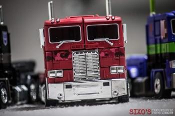 [Masterpiece] MP-10B   MP-10A   MP-10R   MP-10SG   MP-10K   MP-711   MP-10G   MP-10 ASL ― Convoy (Optimus Prime/Optimus Primus) - Page 4 IWBeybX9