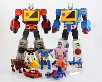 [KFC Toys] Produit Tiers - Jouet Transistor (aka Blaster/Tempo) + DoubleDeck (Twincast) + Fader (aka Eject/Éjecteur) + Rover (aka Autoscout) - Page 2 KIaWBg8G