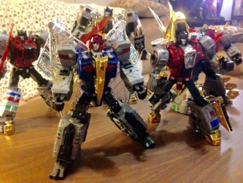 [Toyworld][Zeta Toys] Produit Tiers - Jouet TW-D aka Combiner Dinobots - Page 2 Rc7tDyKt