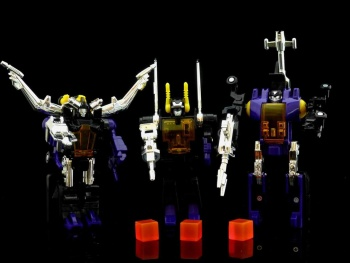 [Fanstoys] Produit Tiers - Jouet FT-12 Grenadier / FT-13 Mercenary / FT-14 Forager - aka Insecticons - Page 2 ZrBR7Q1G