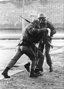 Conflicto de Irlanda del Norte: Domingo Sangriento (1972) Ph11-7