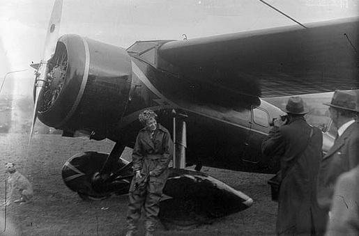 Amelia Mary Earhart   00d3cd24c9241e609bb3736b22f8a0a5bd8dc844
