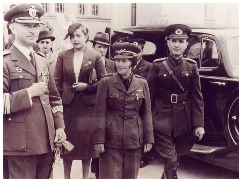 Sabiha Gokcen - prva žena pilot lovac na svetu 00d742be8a9042c1c9e7b7d8cb01a345befae5e6