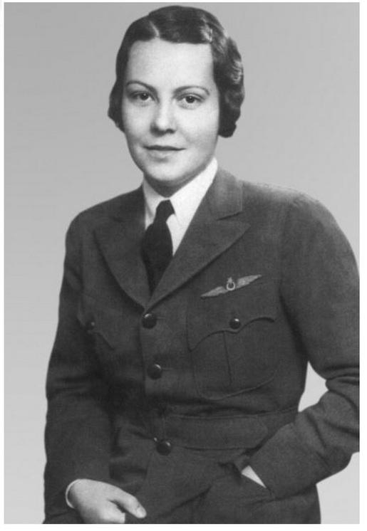 Sabiha Gokcen - prva žena pilot lovac na svetu 00d742bfcd71157df3ac3dd7e64a64c53e4f88b9