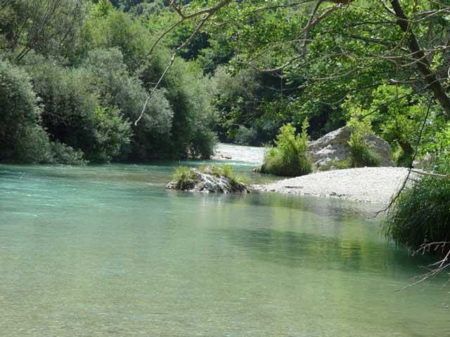 5 ... ποτάμια για ράφτινγκ στην Ελλάδα AXERONTAS6