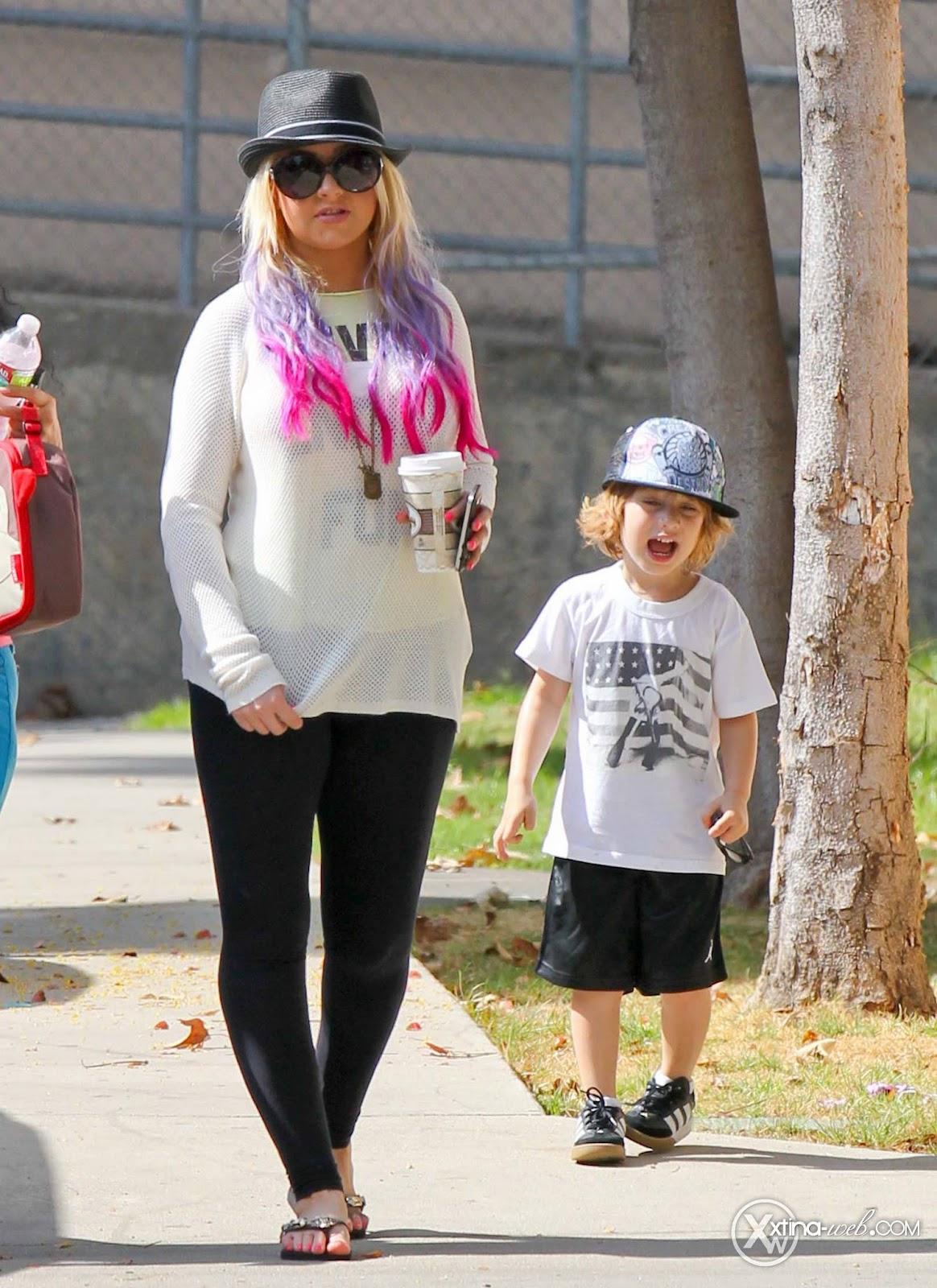 [Fotos] Christina, Max y Matt en Studio City (California) 7/10/2012 01