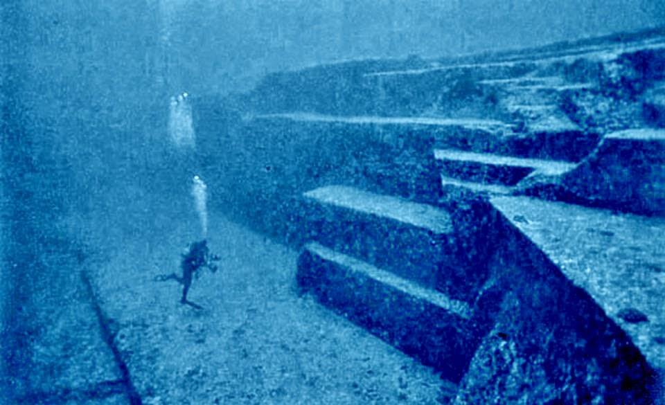 Diving Japan's mysterious underwater ruins with Graham Hancock Japan-underwater-pyramids
