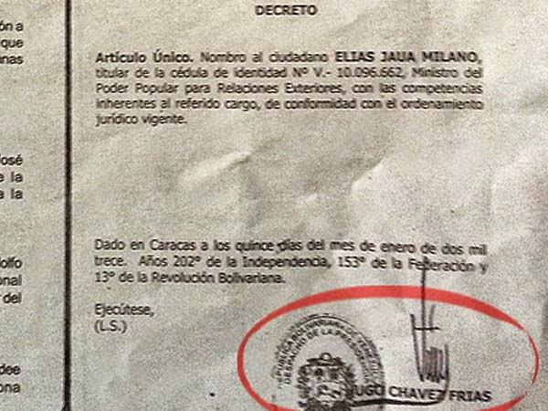 Gobierno de Nicolas Maduro. - Página 2 Chavez%2Bfirma%2B1%2Belias%2Bjaua%2Bcanciller